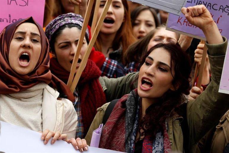 Ankara-Turquia-Jovenes-Internacional-EFE_EDIIMA20180309_0378_19 fotografía feminismo